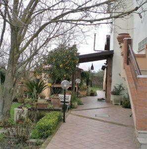 splendida villa bifamiliare