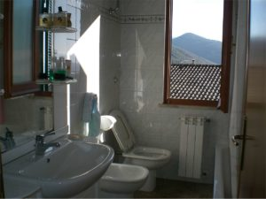 Bassiano - appartamento ottima esposizione