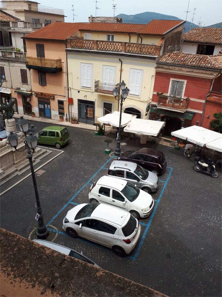Sezze – Comodo appartamento in pieno centro